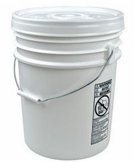 5 gallon bucket storage tip from Year Zero Survival.