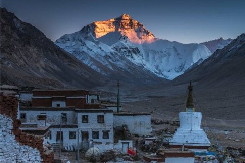 sunrise-everest-rongbuk-monastery